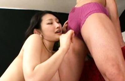 Azumi mizushima. Wild babe Azumi goes down to give lascivious stud a blowjob job